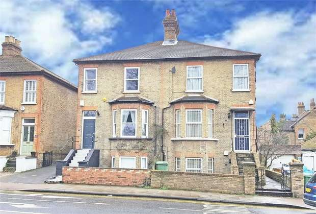 3 Bedrooms Semi Detached House for sale in Elm Road, Sidcup, Kent