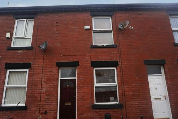 2 Bedrooms Terraced House for sale in Bishop Street, Rochdale, Lancashire, OL16 2TD
