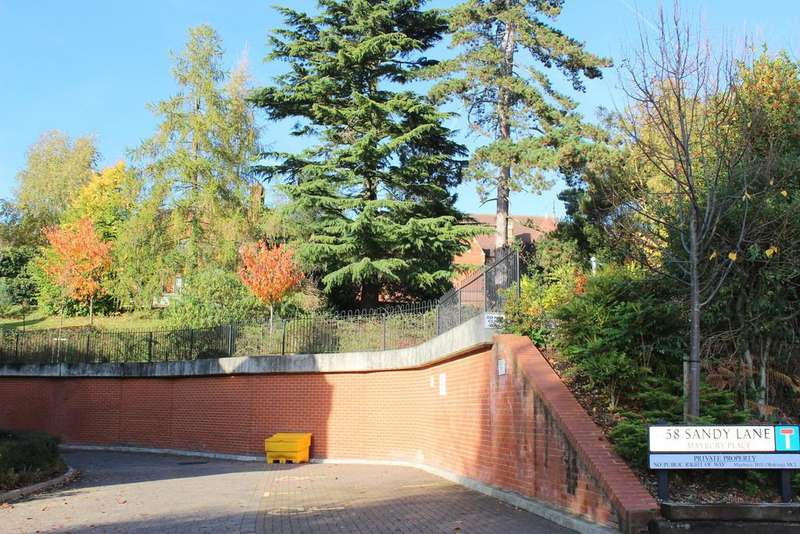 2 Bedrooms Ground Flat for sale in Sandy Lane, Woking