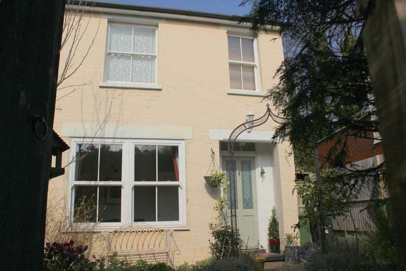2 Bedrooms Cottage House for rent in Western Place, Vincents Walk, Dorking