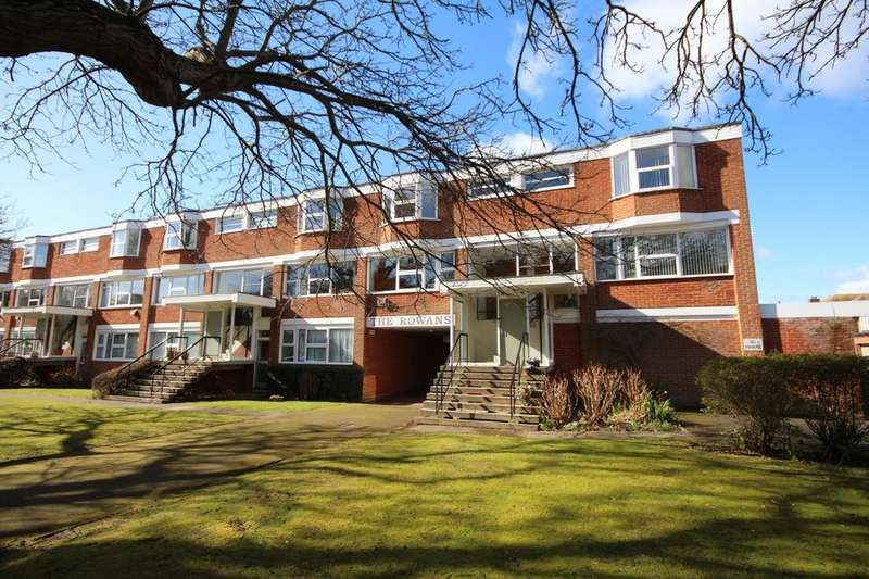2 Bedrooms Maisonette Flat for sale in The Rowans, Grand Avenue, West Worthing BN11 5AT