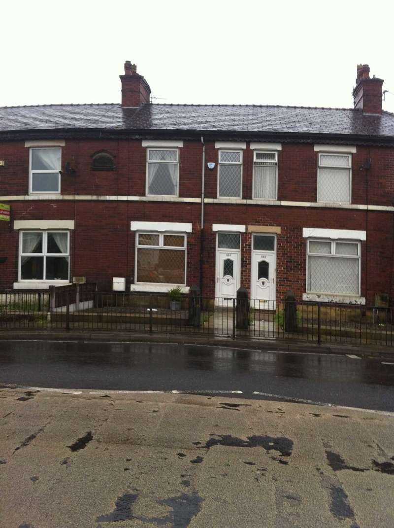 3 Bedrooms Terraced House for rent in Manchester Road, Bury