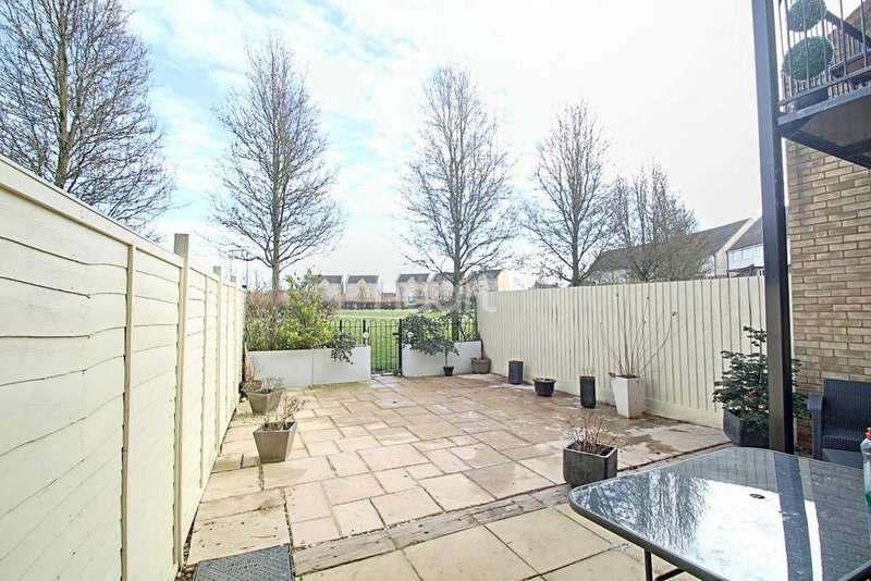 4 Bedrooms End Of Terrace House for sale in Foster Road, Sugar Way, Peterborough