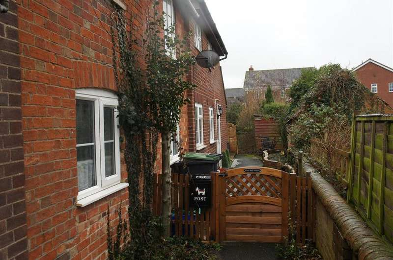 2 Bedrooms Semi Detached House for sale in High Street, Cranfield