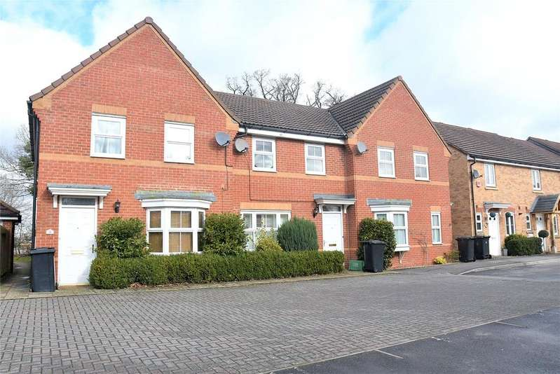 3 Bedrooms Terraced House for rent in Kestrels Mead, Tadley, Hampshire, RG26