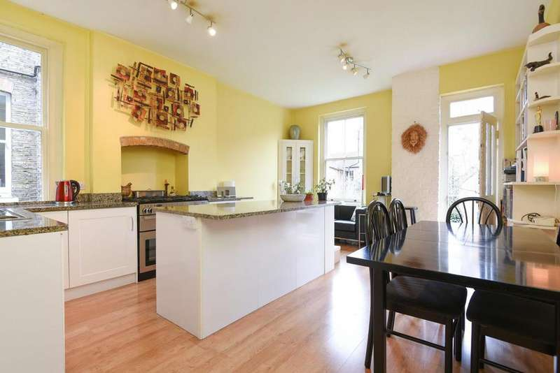 2 Bedrooms Flat for sale in Bonneville Gardens, Clapham
