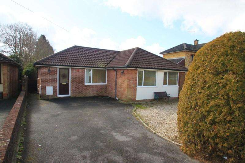 3 Bedrooms Detached Bungalow for sale in Claylake Drive, Verwood