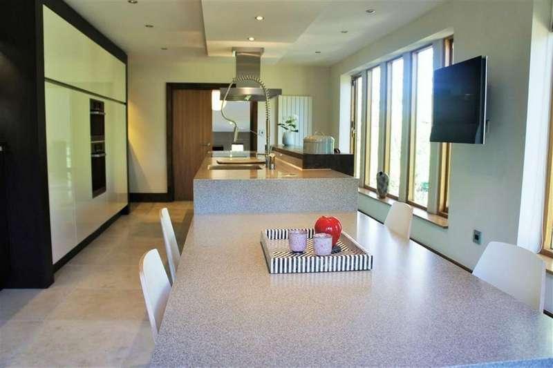 5 Bedrooms Detached House for sale in Brook Lane, Alderley Edge