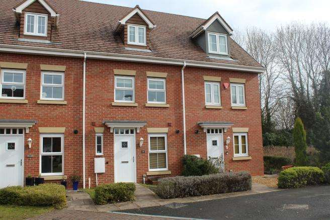 3 Bedrooms Town House for sale in 57 Highlander Drive, Donnington, Telford, Shropshire, TF2 8JU