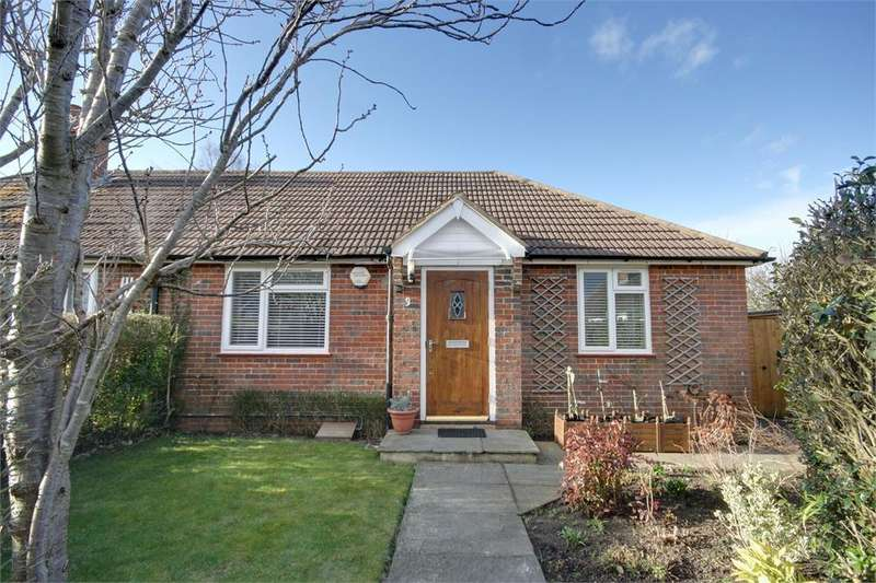 2 Bedrooms Semi Detached House for sale in Chaundlers Croft, Crondall, Farnham, Hampshire