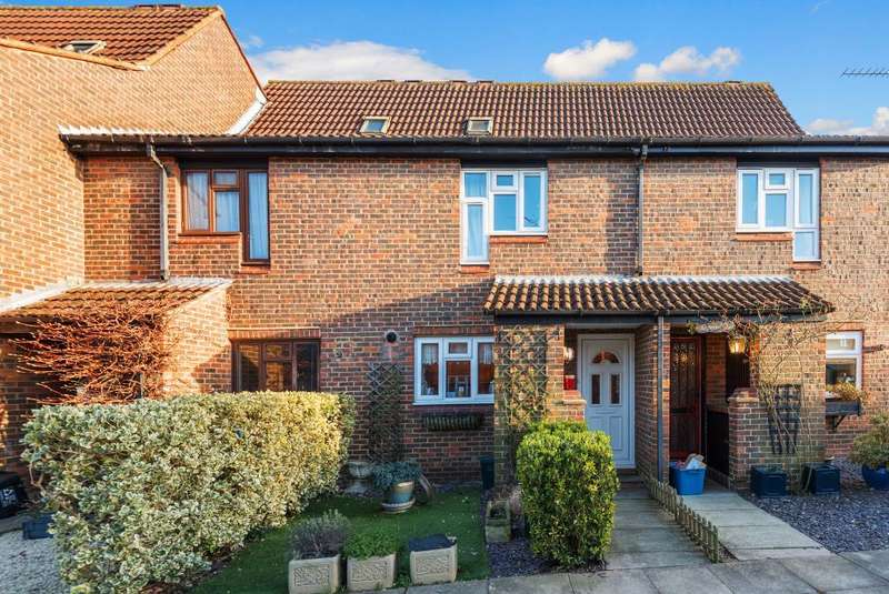 3 Bedrooms House for sale in Orpwood Close, Hampton, TW12