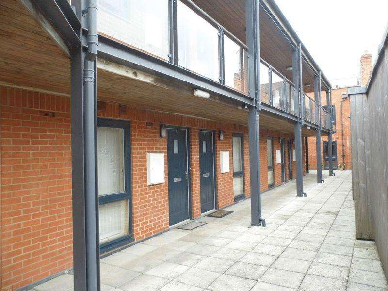 1 Bedroom Apartment Flat for rent in Snuff Street, Devizes