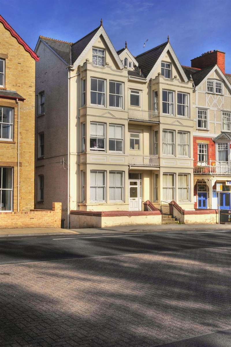 1 Bedroom Apartment Flat for sale in The Central, High Street, Llandrindod Wells