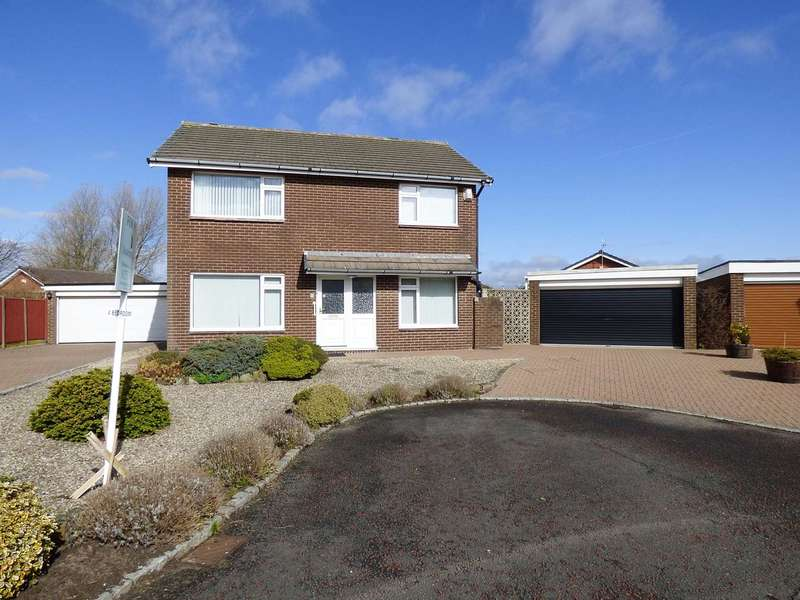 4 Bedrooms Detached House for sale in Bowes Lyon Place, St Annes