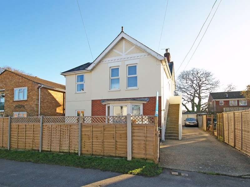 2 Bedrooms Ground Flat for sale in Ringwood Road, Walkford, Christchurch