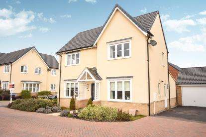 4 Bedrooms Detached House for sale in Wickford, ., Essex