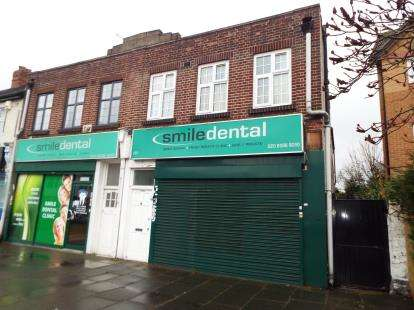 2 Bedrooms Maisonette Flat for sale in Seven Kings, Ilford, Essex