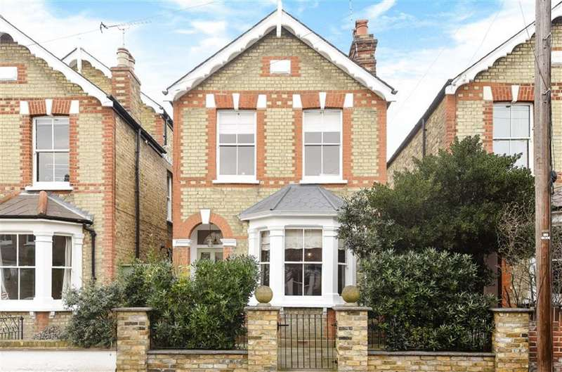 3 Bedrooms Detached House for sale in Shortlands Road, Kingston Upon Thames