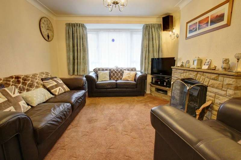 3 Bedrooms Semi Detached House for sale in Lintzford Gardens, Rowlands Gill, NE39