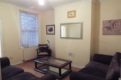 5 Bedrooms Terraced House for rent in Claypole Road, Ng7