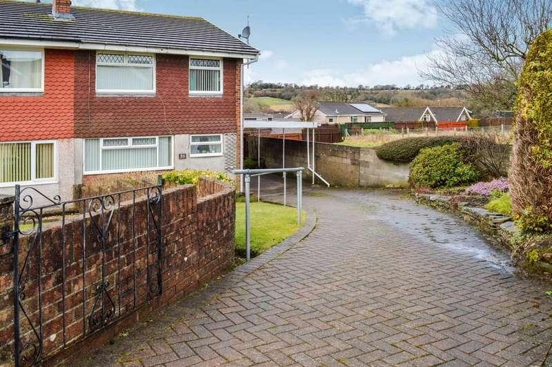 3 Bedrooms Semi Detached House for sale in Rolls Avenue, Penpedairheol