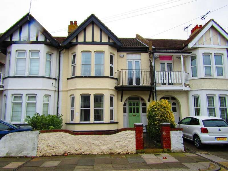 4 Bedrooms Terraced House for rent in Plas Newydd, Southend-on-Sea
