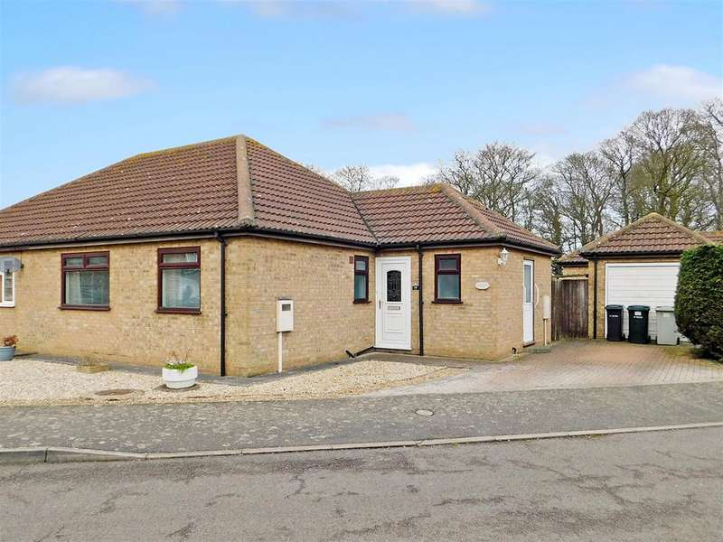 2 Bedrooms Semi Detached Bungalow for sale in Ramsay Close, Skegness, PE25 3PF