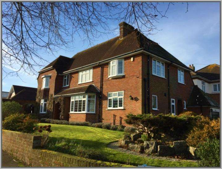 4 Bedrooms Detached House for sale in Glencoe Road Littledown Bournemouth