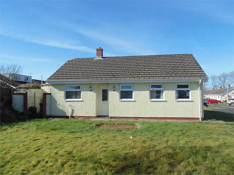 3 Bedrooms Detached Bungalow for sale in 56 Elm Park, Crundale, Haverfordwest, Pembrokeshire