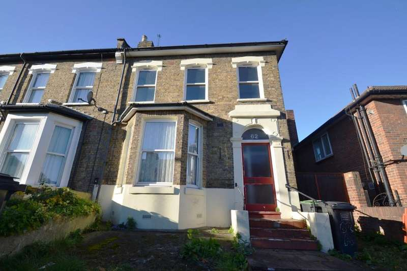 2 Bedrooms Flat for sale in Wisteria Road Lewisham SE13