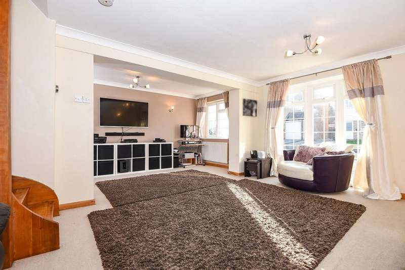 3 Bedrooms Semi Detached House for sale in Stanley Close, Staplehurst