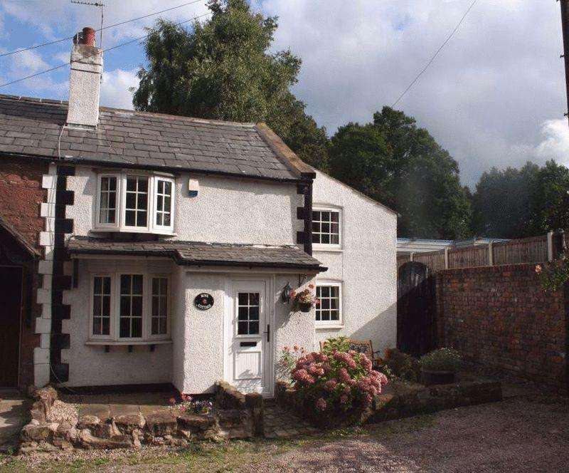 3 Bedrooms Terraced House for sale in Stanley Lane, Eastham