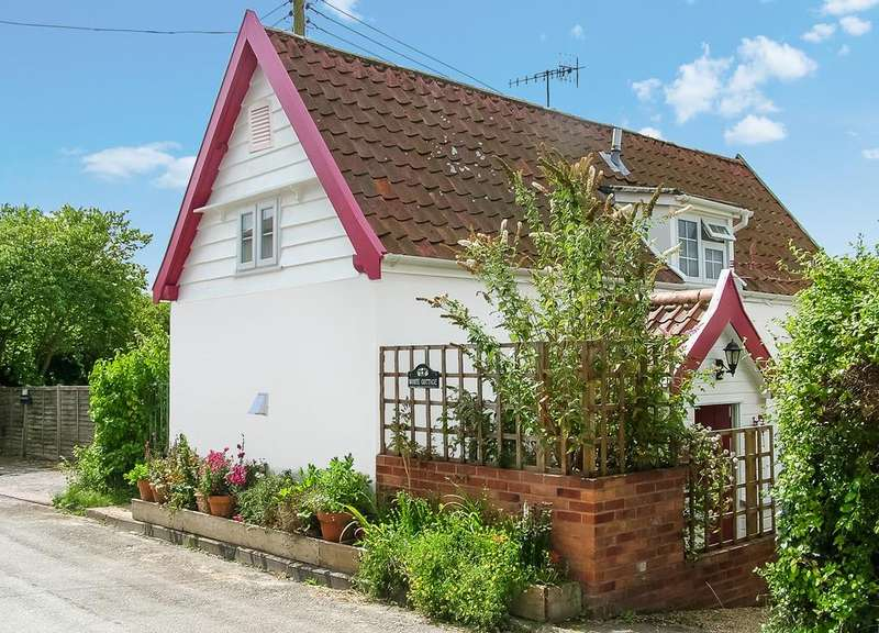 2 Bedrooms Detached House for sale in Sweffling, Nr Framlingham, Suffolk