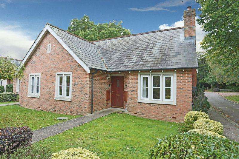 2 Bedrooms Bungalow for rent in Brown Twins Road, Hurstpierpoint