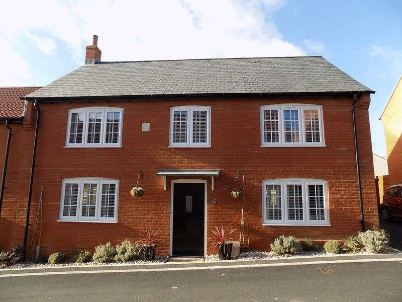 3 Bedrooms Property for sale in Lilly Lane, Chickerell, Weymouth