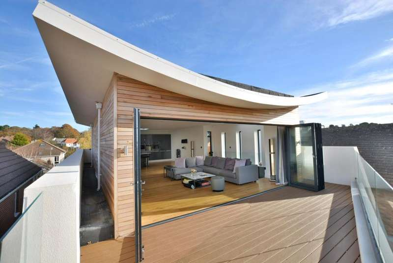 4 Bedrooms Detached House for sale in 24 Lagoon Road, Poole, BH14 8JT