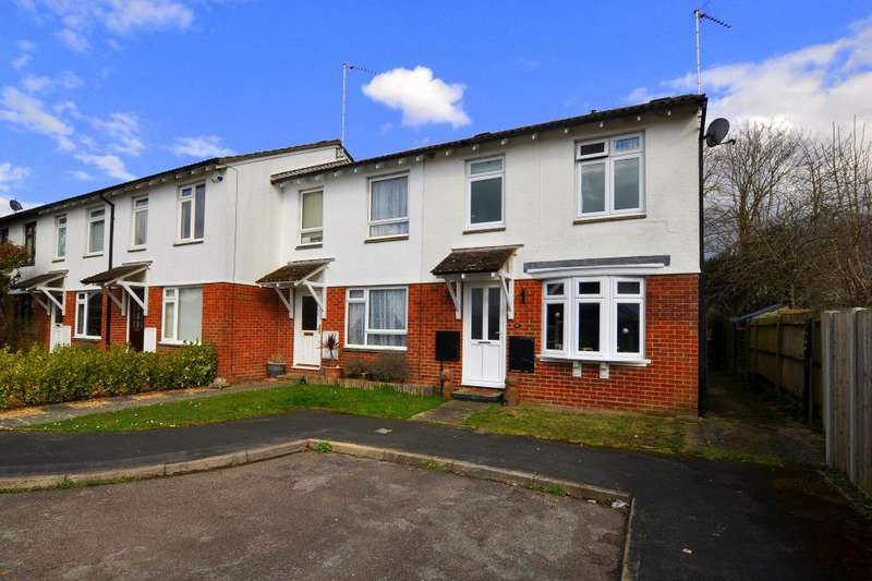 3 Bedrooms End Of Terrace House for sale in Kingfisher Way, Ringwood, BH24 3LP