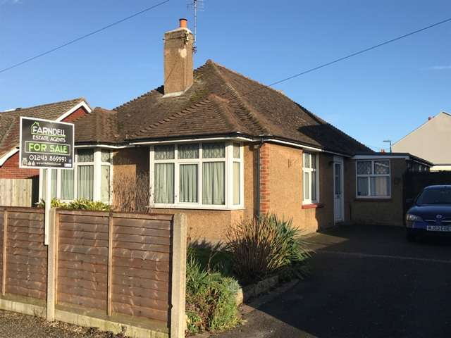 3 Bedrooms Detached Bungalow for sale in Southdown Road, Bognor Regis, West Sussex. PO21 2JS