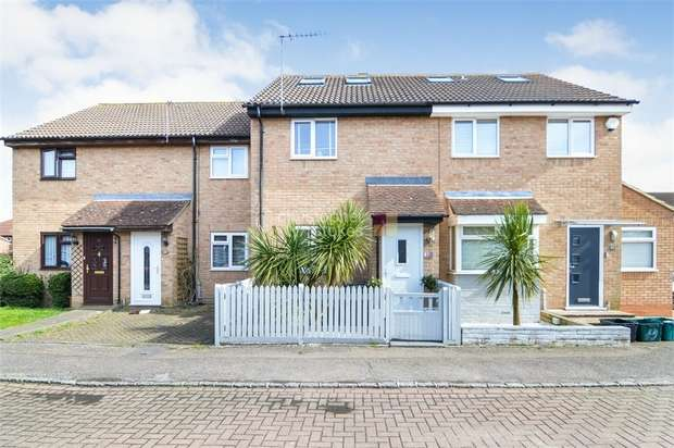 4 Bedrooms Terraced House for sale in Leaforis Road, Cheshunt, WALTHAM CROSS, Hertfordshire