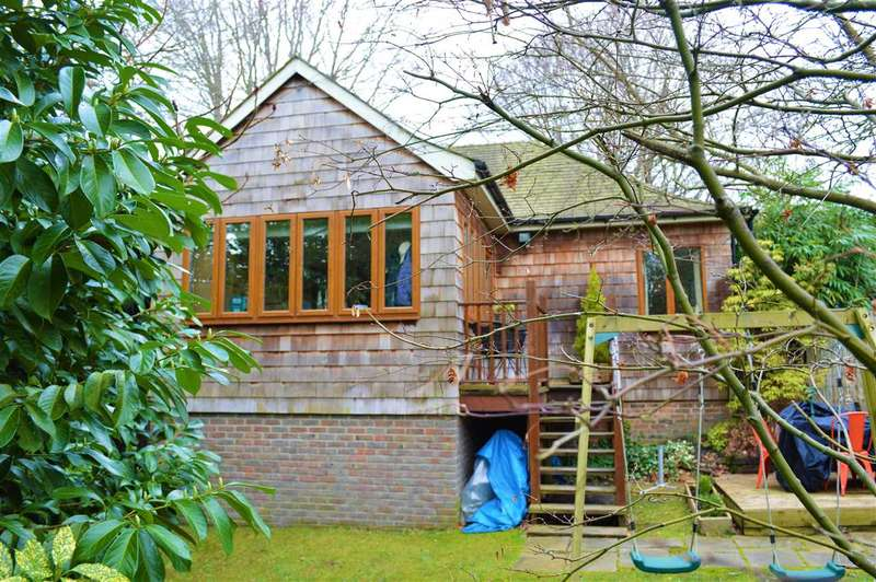 3 Bedrooms Semi Detached House for sale in Askew, Amberley Road, Storrington