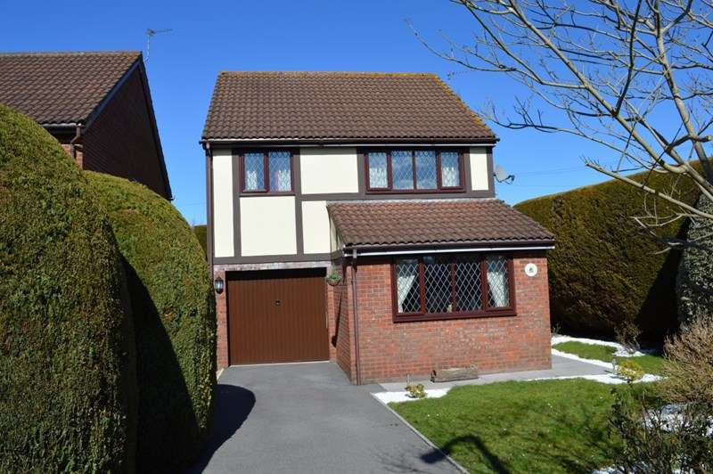 4 Bedrooms Property for sale in Westwood Close, Worle, Weston-Super-Mare