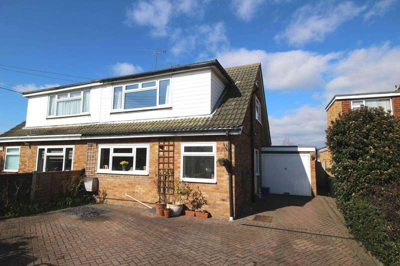 3 Bedrooms Semi Detached House for sale in Princes Avenue, Maylandsea