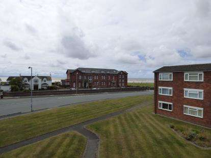 2 Bedrooms Flat for sale in Bronshill, The Sepentine South, Blundellsands, Liverpool, L23