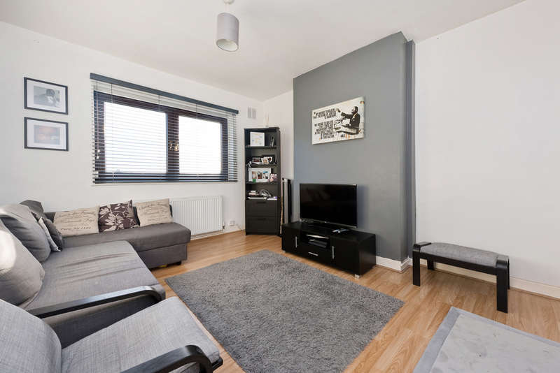 2 Bedrooms Maisonette Flat for sale in Sibthorpe Road, Lee, SE12