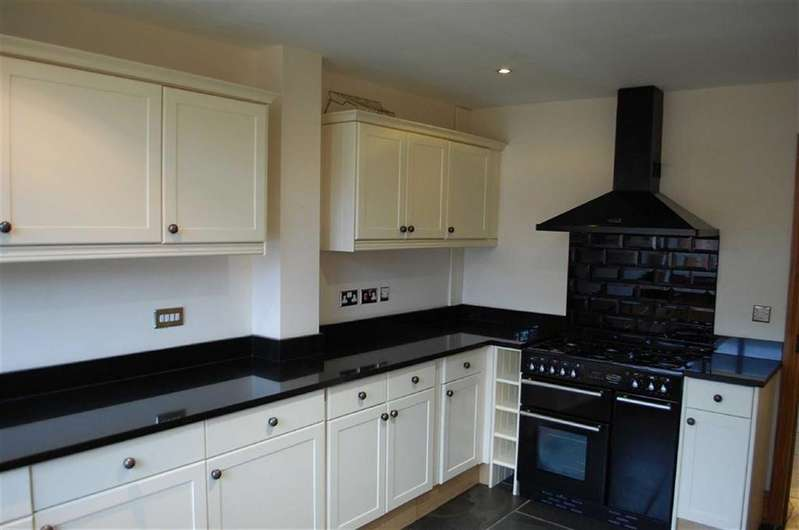 3 Bedrooms Barn Conversion Character Property for rent in Plot 7 Heath Barns, Old Stafford Road, Slade Heath, Wolverhampton, South Staffordshire, WV10