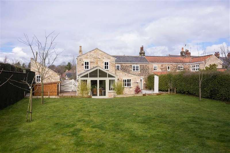 4 Bedrooms Unique Property for sale in Church Lane, Collingham, LS22