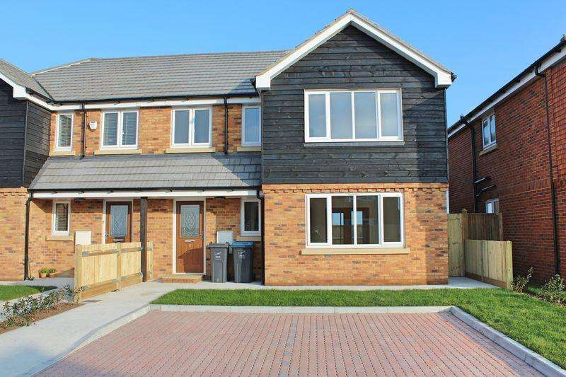 3 Bedrooms Semi Detached House for sale in Ramsgate