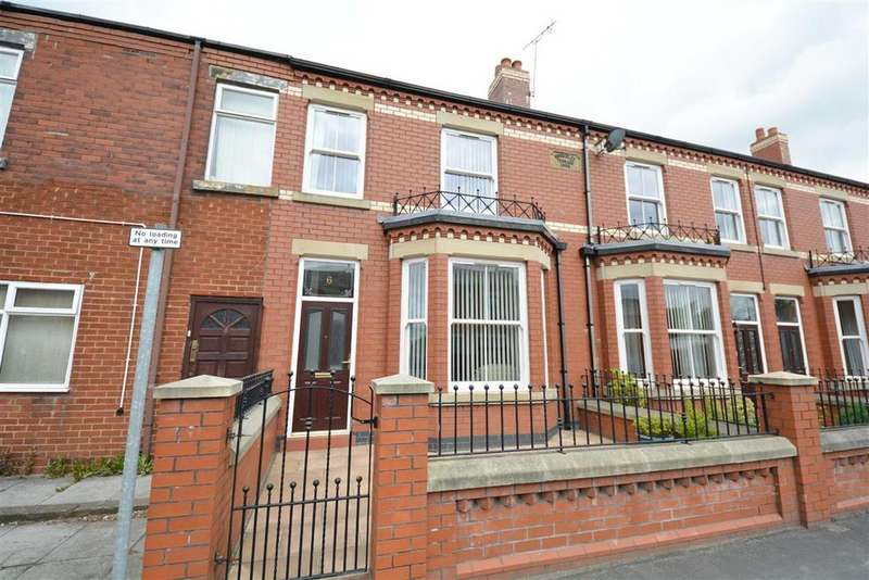 3 Bedrooms Terraced House for rent in Woodhouse Lane, Springfield, Wigan, WN6
