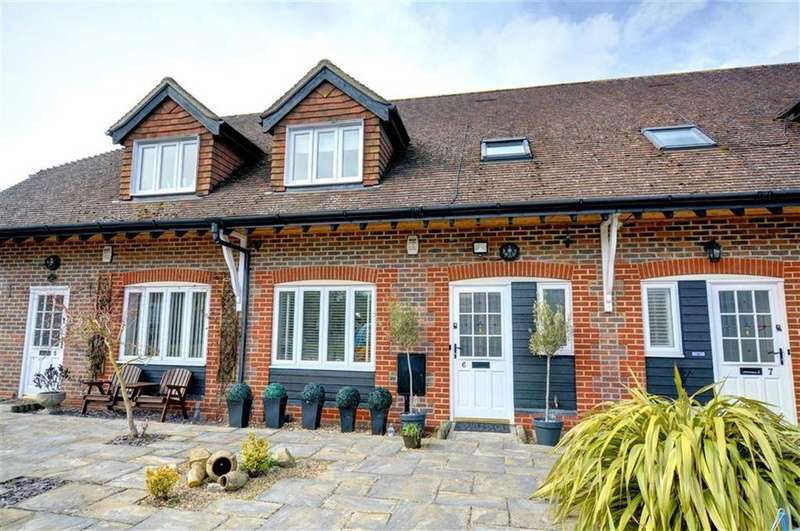 3 Bedrooms Terraced House for sale in Glovers Close, Biggin Hill, Kent