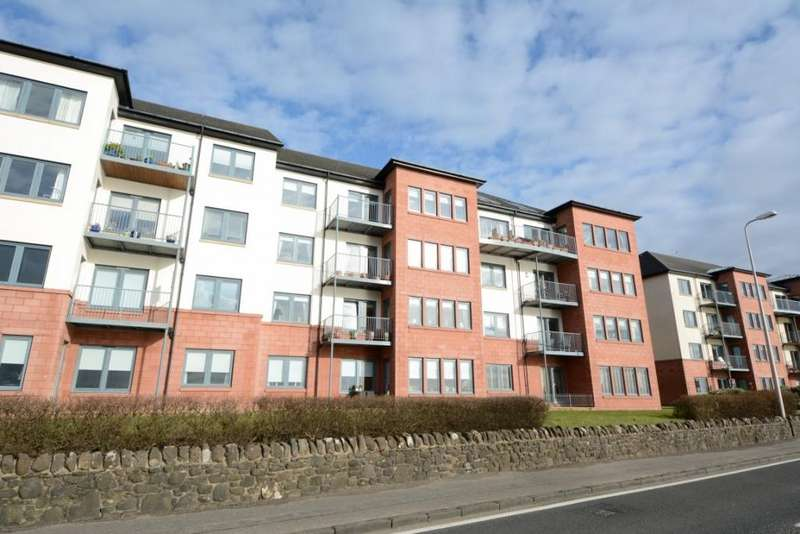 3 Bedrooms Flat for sale in 16 The Shores, Skelmorlie, PA17 5AZ